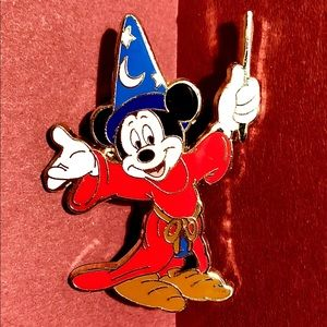 *New Listing* Sorcerer Mickey 2007 Disney Pin